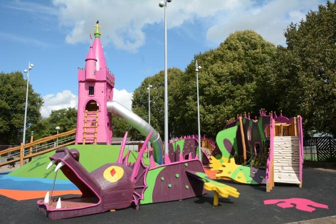 Invigning av lekplatsen Prinsessor och Drakar!