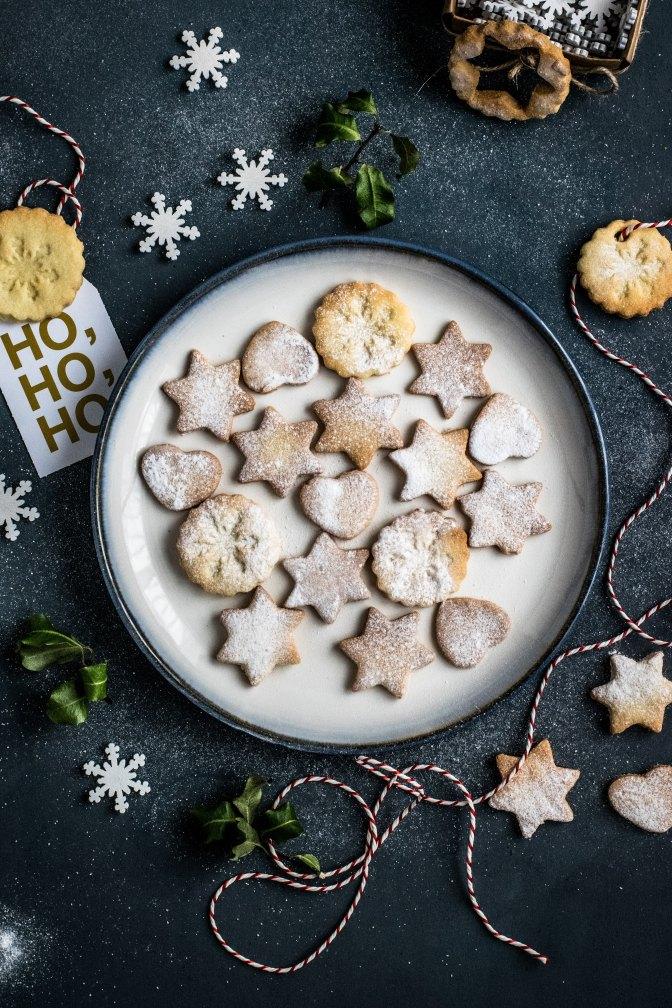 Julfirande med mångkulturellt knytkalas